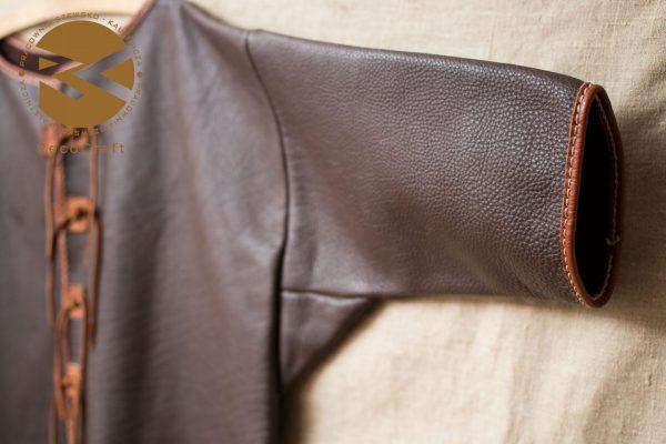 Kaftan skórzany z krótkim rękawem